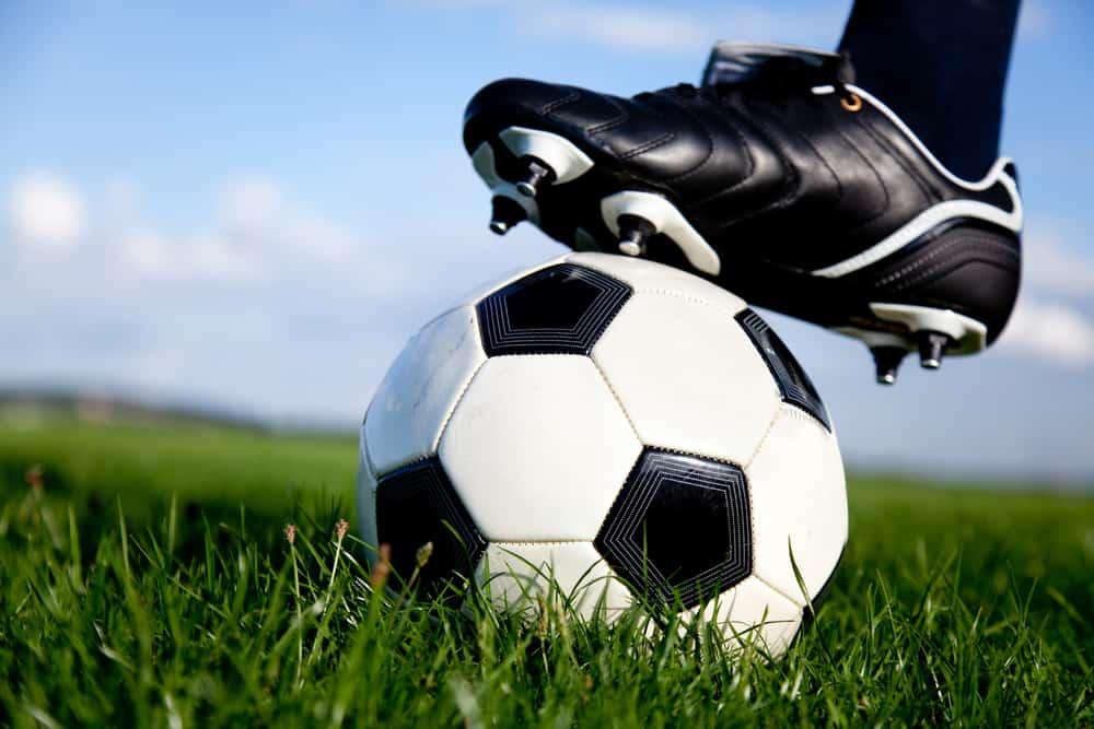 Težina nogometne lopte